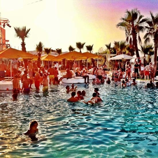 Ibiza w czasie sezonu.
