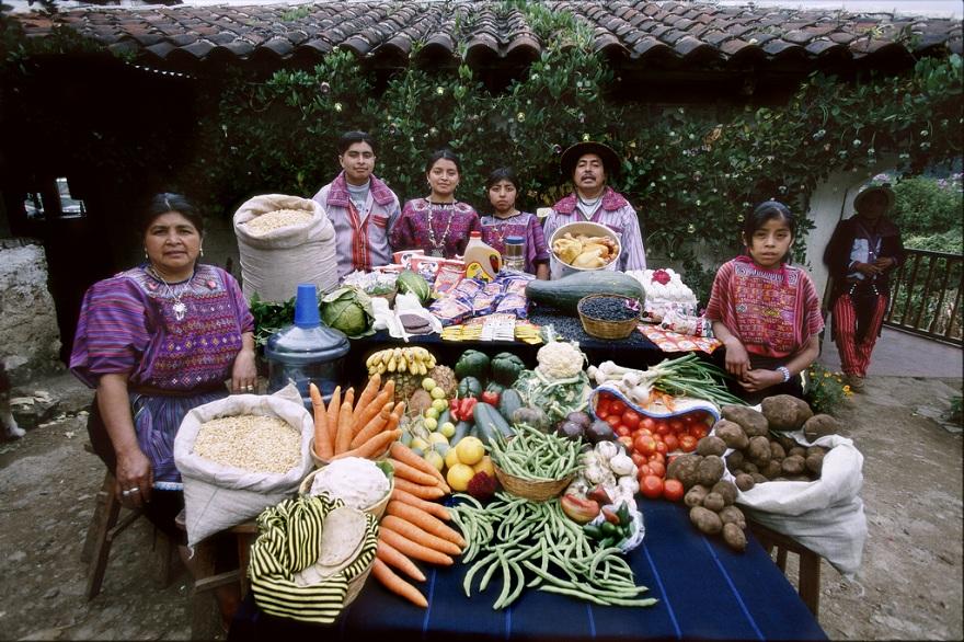 Rodzina z Todos Santos w Gwatemali